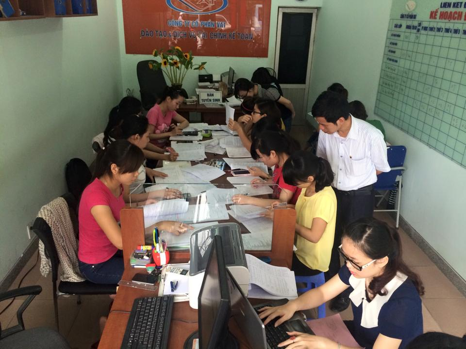 Lớp kế toán tổng hợp tại Trung tâm đào tạo kế toán VAT - 314 Lạch Tray